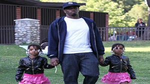 Star Gazing: Diddy Has a Playdate with Twin Daughters