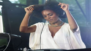 Star Gazing: Solange Spins at a Fab NYC Party