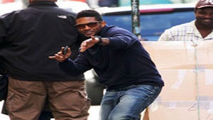 Star Gazing: Usher is Dancing in the Streets of NYC