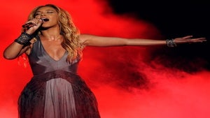 Beyonce Performs '1+1' on 'Idol,' Releases '4' Tracks