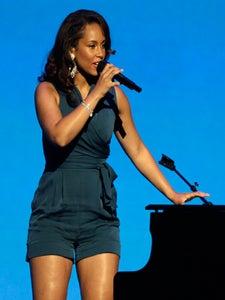 Star Gazing: Alicia Keys Rocks Walmart Event
