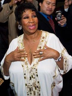 Aretha Franklin Trips on Jimmy Choos, Breaks Toe