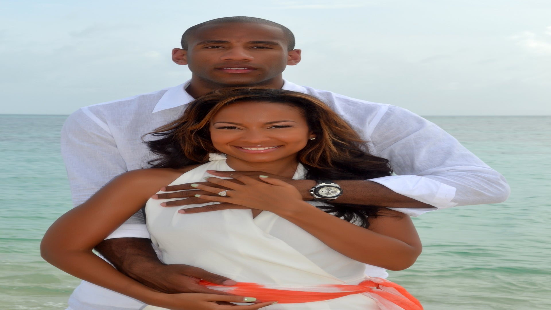 NBA Star Dahntay Jones Releases Official Engagement Photo