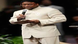 Bishop Eddie Long Apologizes for 'King' Ceremony