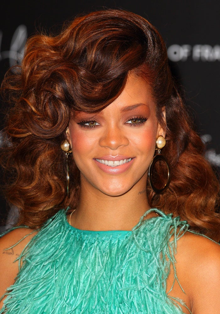 Rihanna Updates Her 'Do — Again!