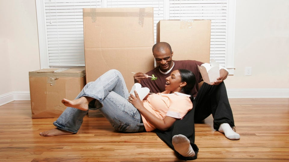 Forget About Shacking Up, Are 'Stayover' Relationships the Way?