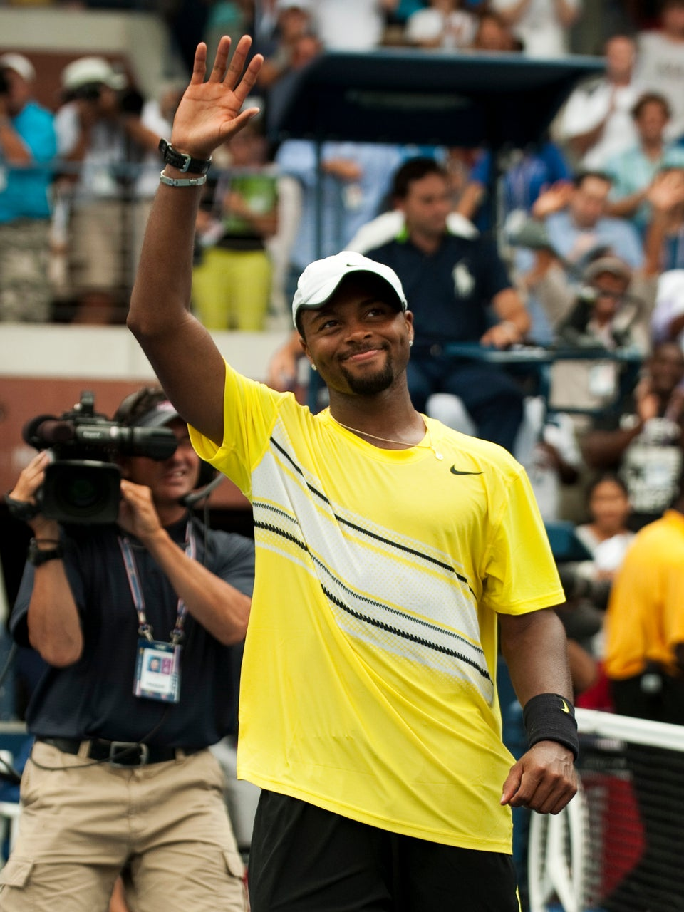 Donald Young Reaches Round 4 of Grand Slam