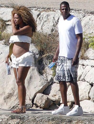 Beyonce Shows Off Bare Bikini Baby Bump