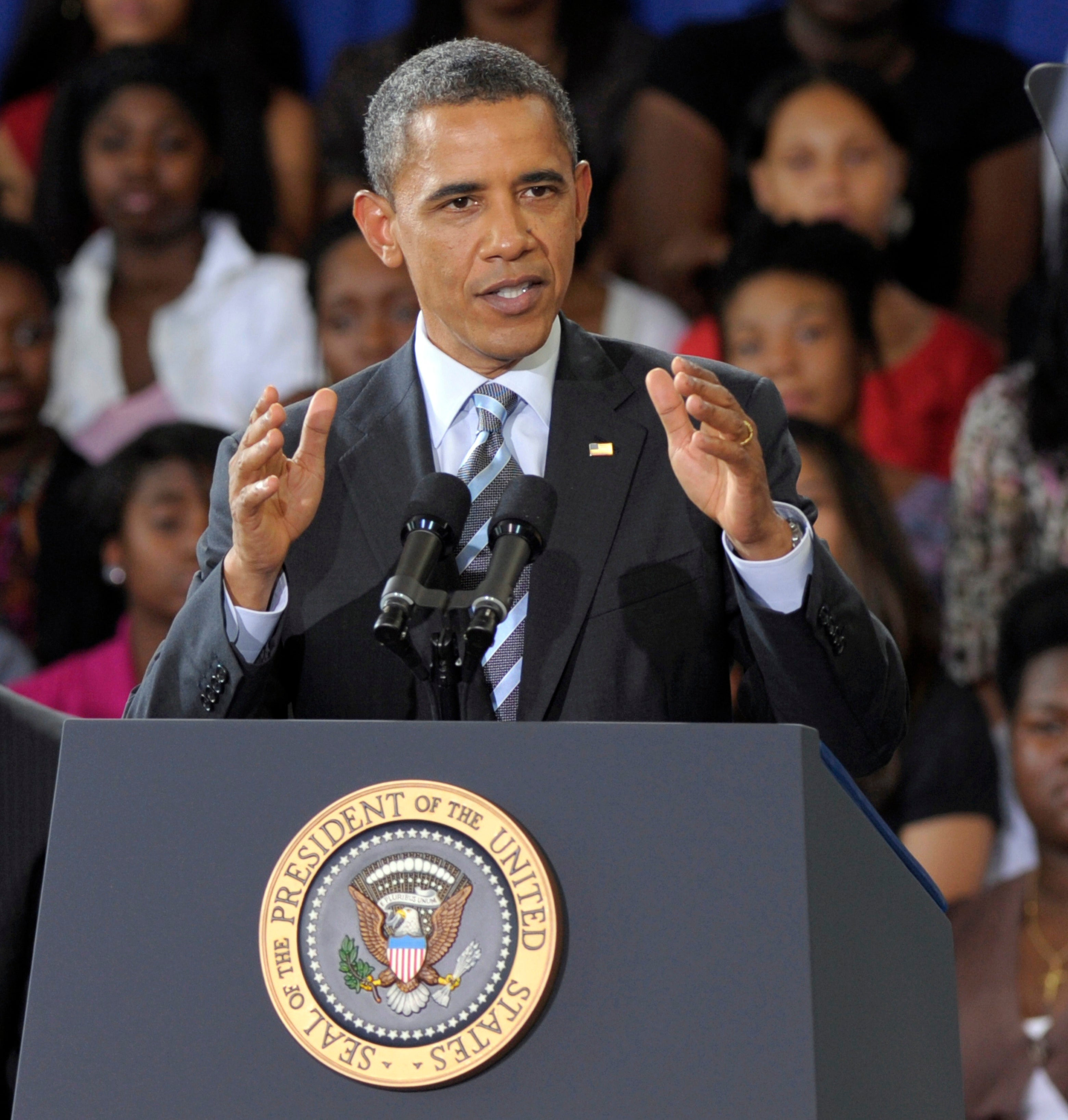 President Obama Goes Pink for Breast Cancer Awareness