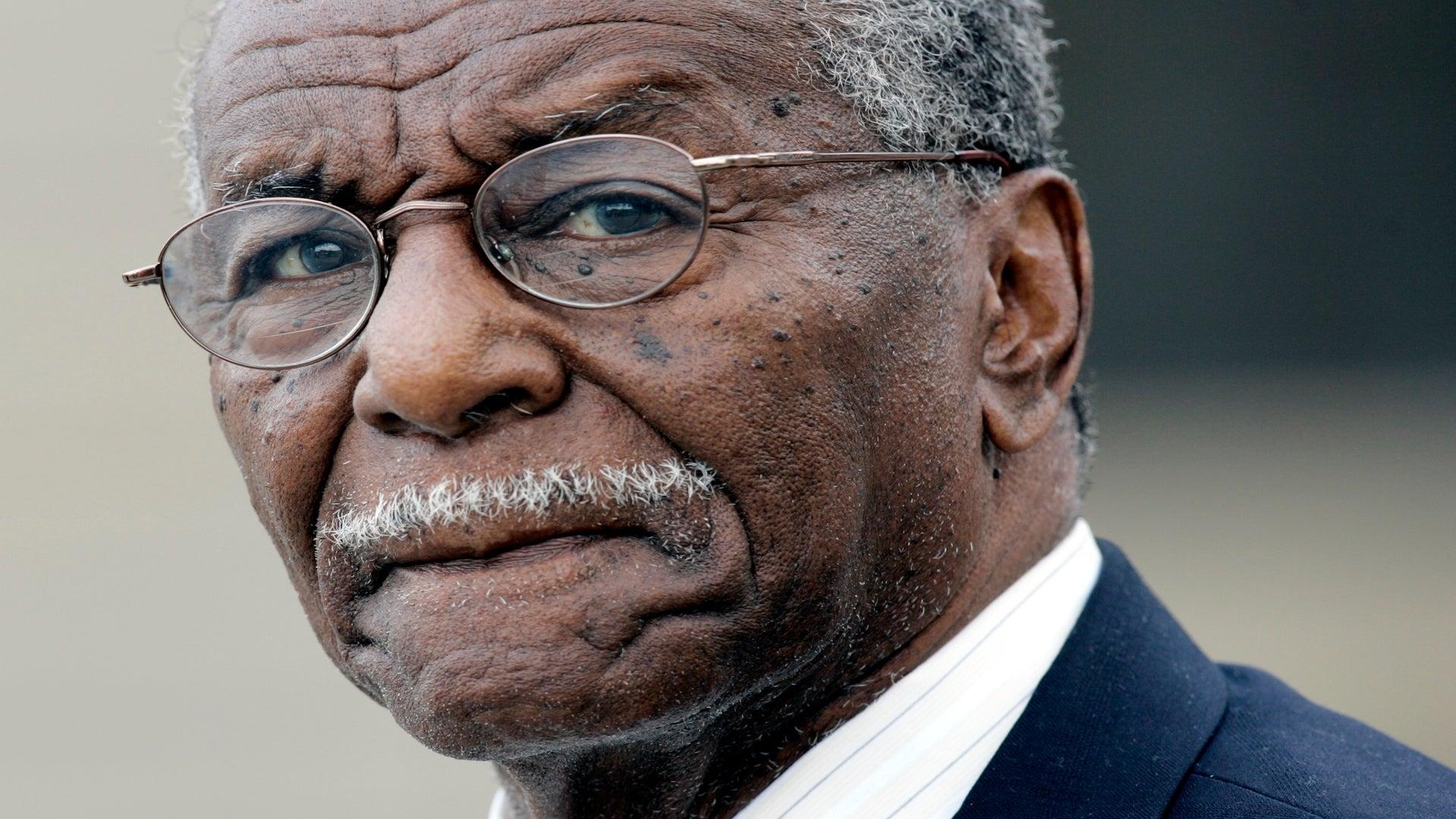 Civil Rights Hero, Fred Shuttlesworth Dies
