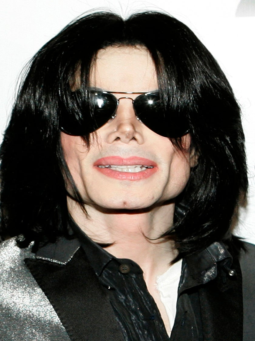 Michael Jackson's Autopsy Photos Shown in Court