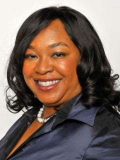 ABC Orders First Episode of Shonda Rhimes' 'Gilded Lillys'