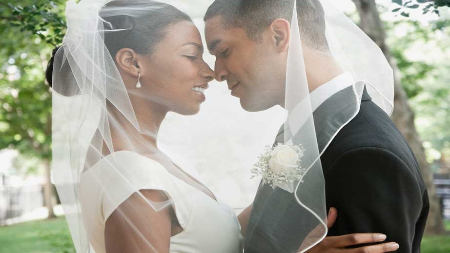 Twitter Party: Let's Talk About When to Marry