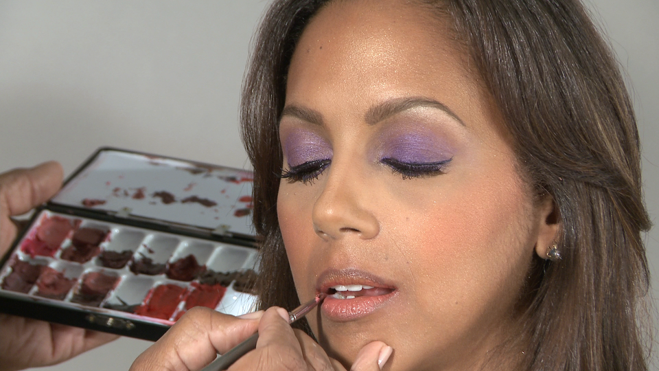 Shake Your Beauty: Fall Makeover with Celeb Makeup Artist Christopher Michael, Part 3