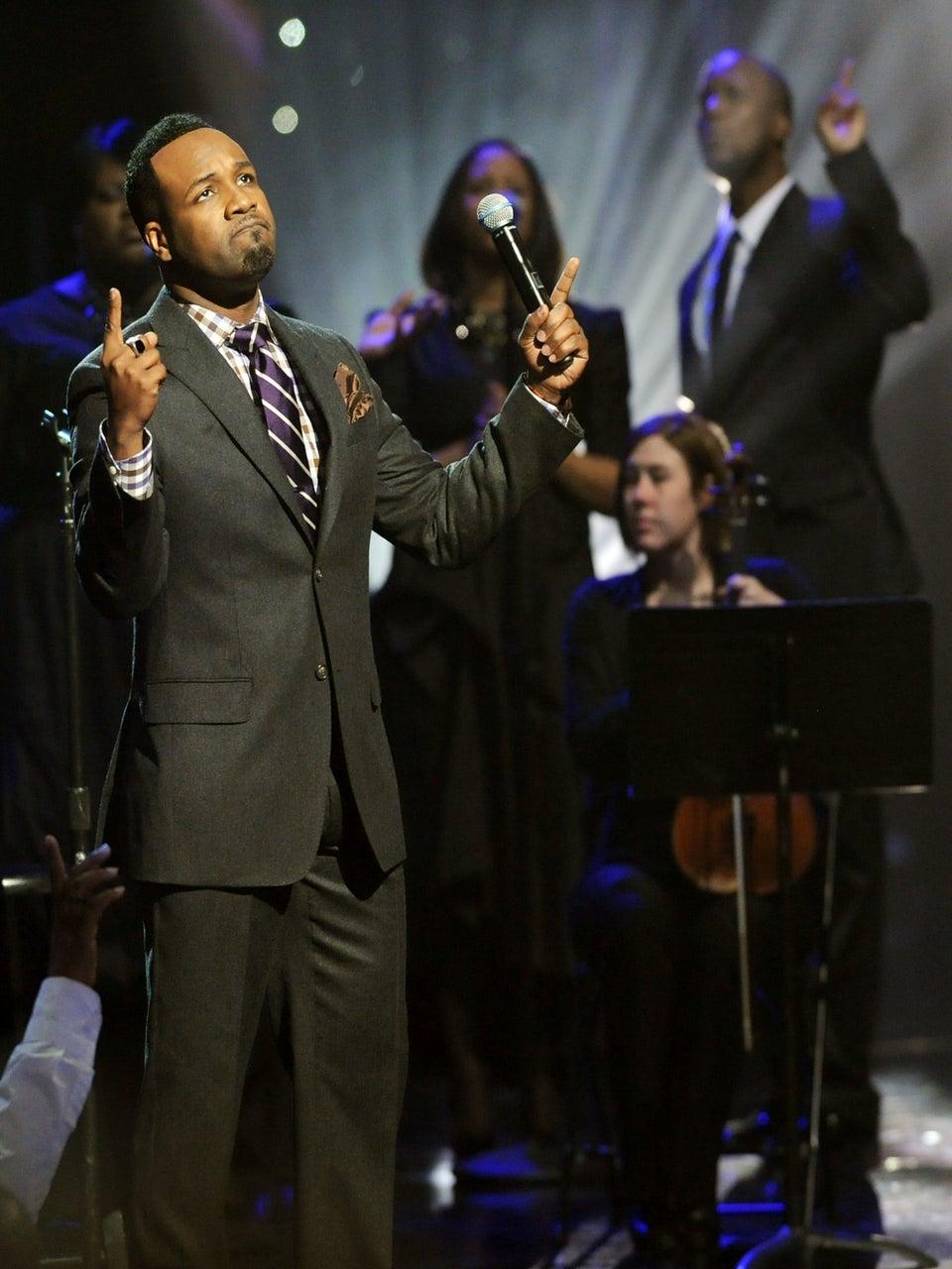 Gospel Star VaShawn Mitchell on Being 'Fatherless, But Triumphant'