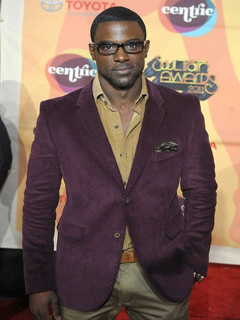 Live from the Red Carpet: Celebs Attend 2011 Soul Train Awards