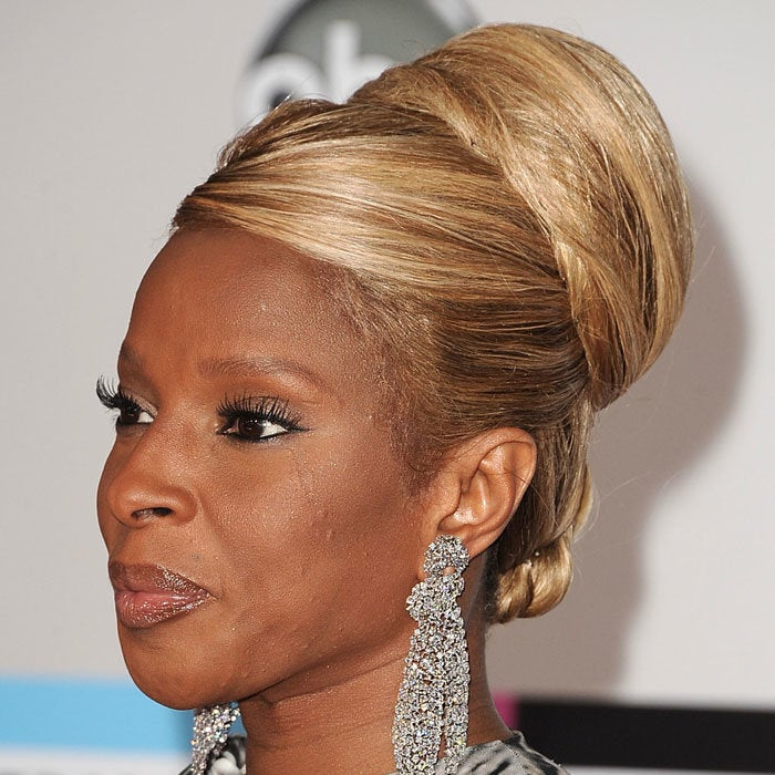 Mary J. Blige's Bouffant Rocks the AMAs