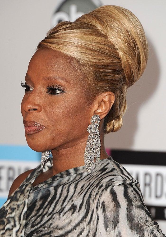 Mary J. Blige's Bouffant Rocks the AMAs