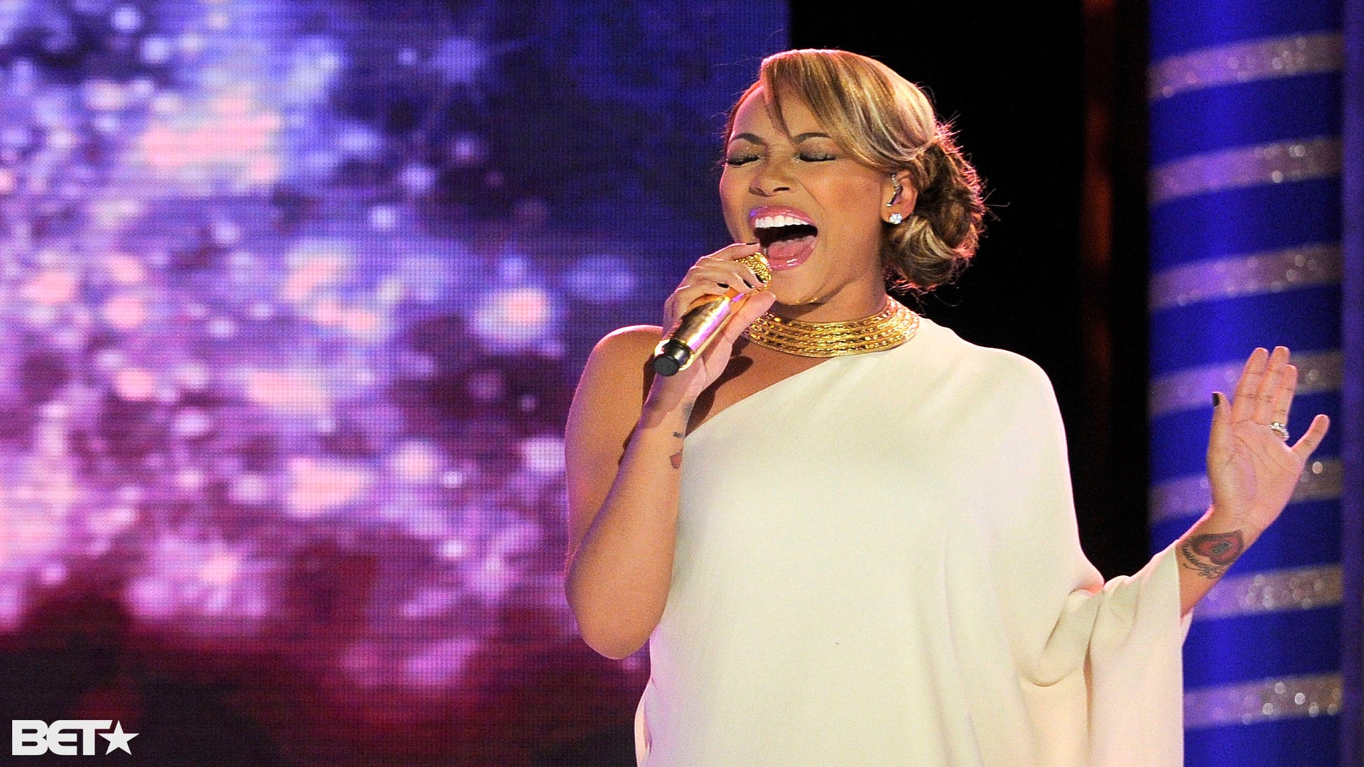 Celebs Celebrate Christmas with BET Special