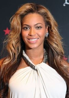 Beyonce Designs T-Shirt for Obama Campaign