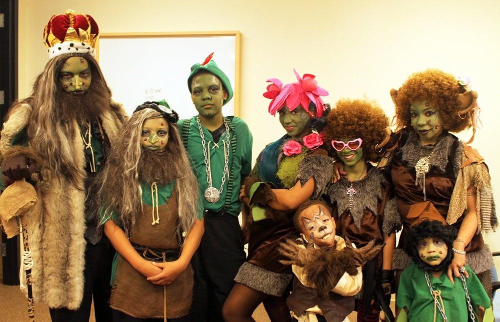 T I And Family Dress Like Shrek And Give Away Toys Essence