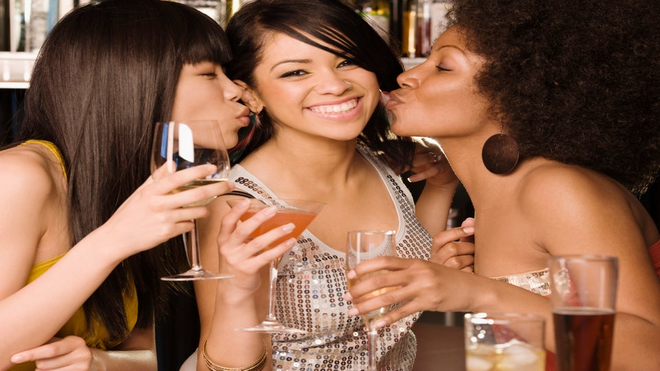 Girlfriends: 4 Must-Try Friendship Resolutions for 2012