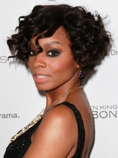 Look of the Day: Anika Noni Rose's Curly, Cropped Bob