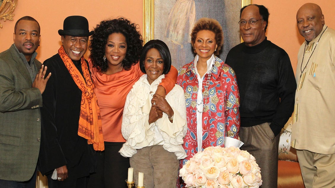 Oprah Reunites 'Roots' Cast for 35th Anniversary