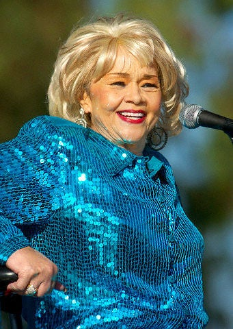 Coffee Talk: Etta James & Lionel Richie Set for Apollo's Hall of Fame