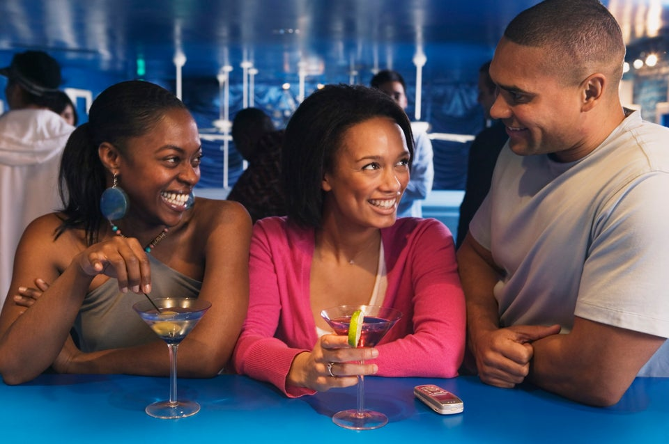 A Professional Wingwoman on How to Hook Up Your Girlfriends