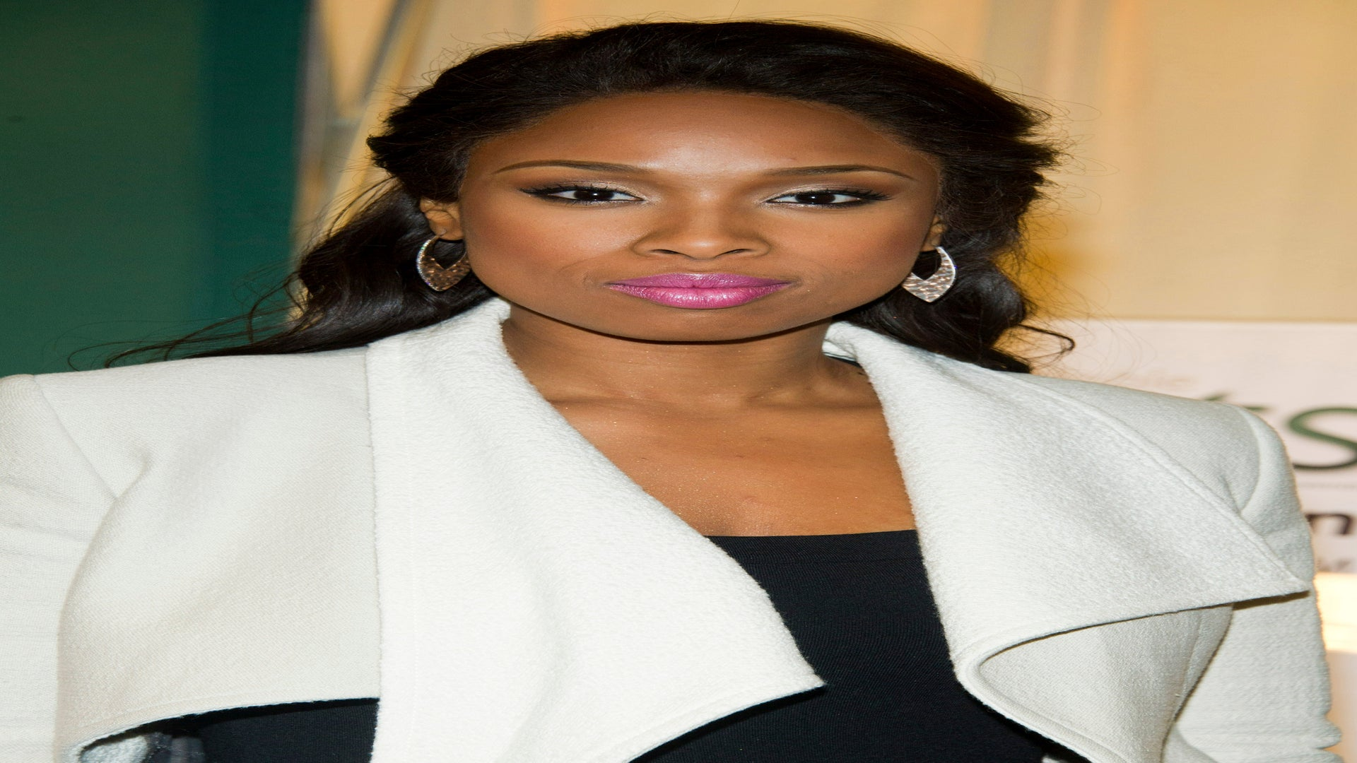 Jennifer Hudson to Be Questioned in Family's Murder Trial