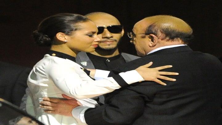 Celebrities React to Whitney Houston's Death