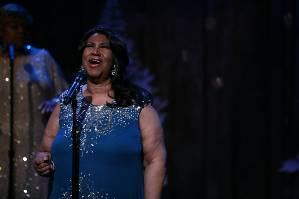 Must-See: Watch Aretha Franklin Pay Tribute to Whitney Houston