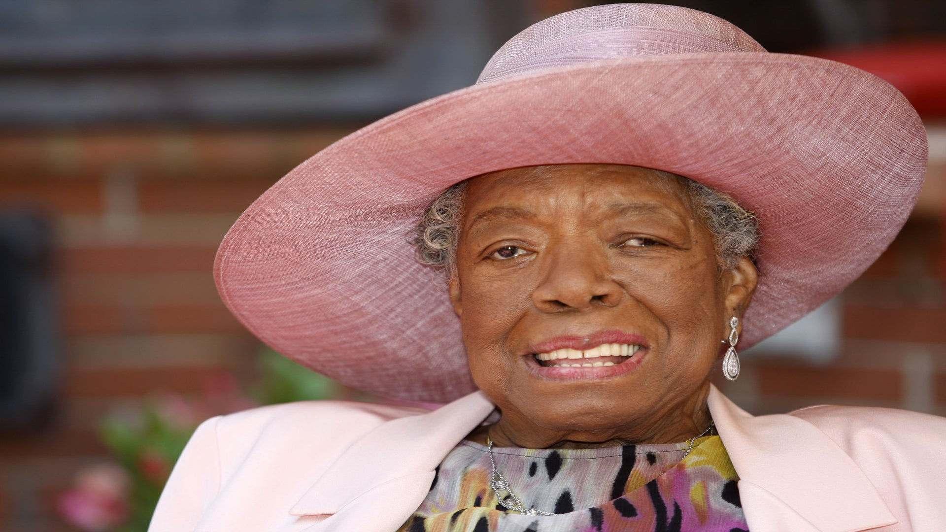 Maya Angelou Recovering After a 3-Day Hospital Stay