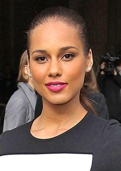 Look of the Day: Alicia Keys' Vivid Fuschia Lip