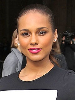 Look of the Day: Alicia Keys' Vivid Fuschia Lip