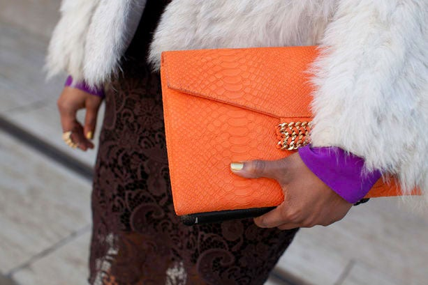 Accessories Street Style: Bright Bags