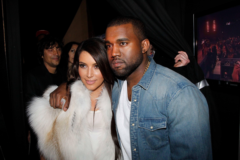 Kim Kardashian og Kanye West dating 2012