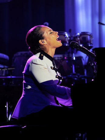 Must-See: Alicia Keys Performs Unheard Song, 'Not Even a King'