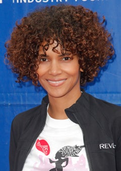 Look of the Day: Halle's New Curly Bob