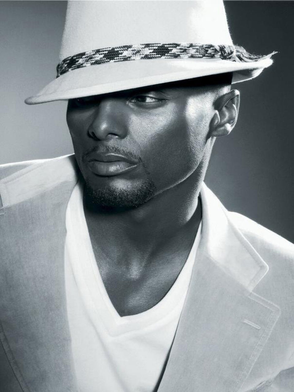 """Exclusive: Watch Kenny Lattimore's New Video, """"Find a Way"""""""