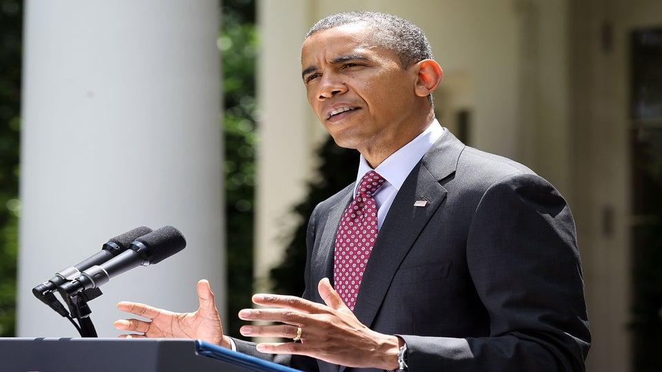 Obama Kicks Off First Campaign Bus Tour