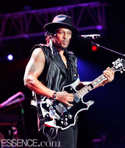 Coffee Talk: D'Angelo '99 Percent Done' with New Album