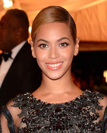 Coffee Talk: Beyoncé Loves Changing Diapers & Singing Lullabies