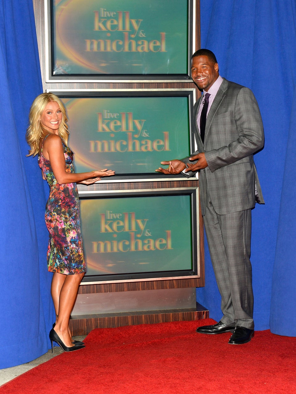 Must-See: Watch Michael Strahan Make His Grand Debut on 'Live! With Kelly'