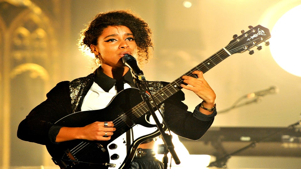 EXCLUSIVE: Watch British Soul Singer Lianne La Havas Live in New York City