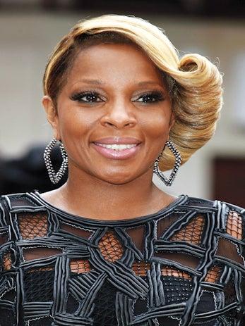 Must-See: Mary J. Blige Sings For Hurricane Sandy Telethon