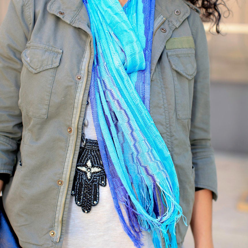 Accessories Street Style: Swingin' Scarves