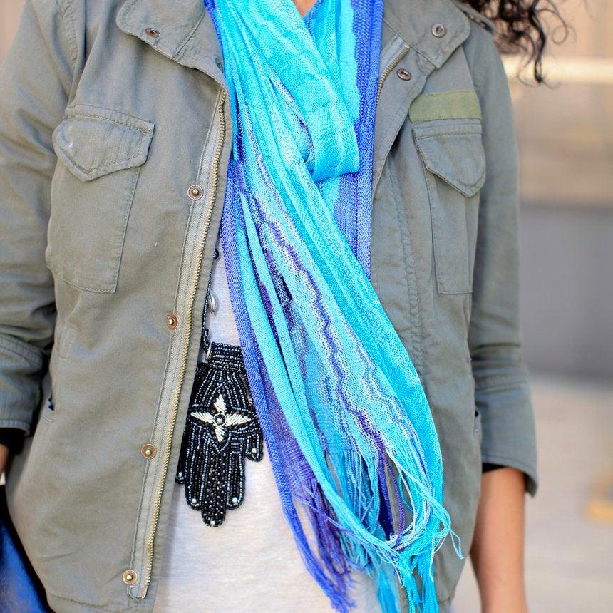 Accessories Street Style: Swingin' Scarves