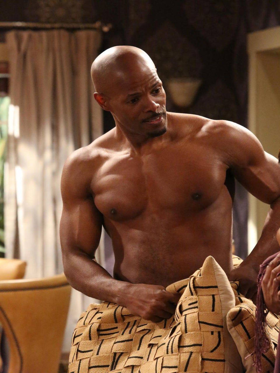 Must-See: Keenen Ivory Wayans Guest Stars on 'Happily Divorced'